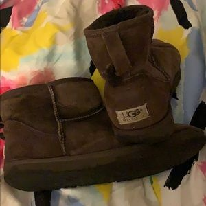 Chocolate low uggs size 10